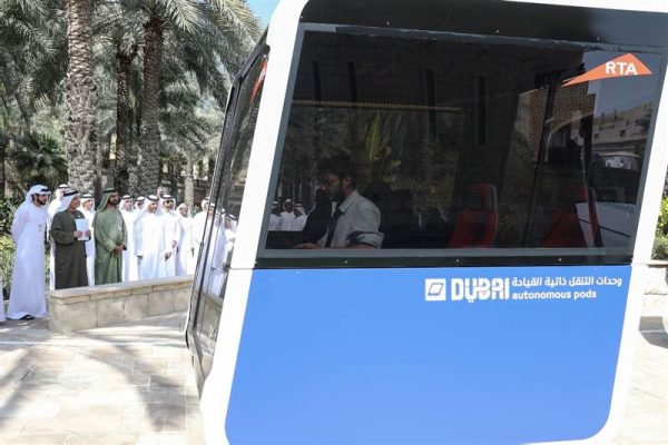 Video: Dubai Tests Autonomous Transport Pods